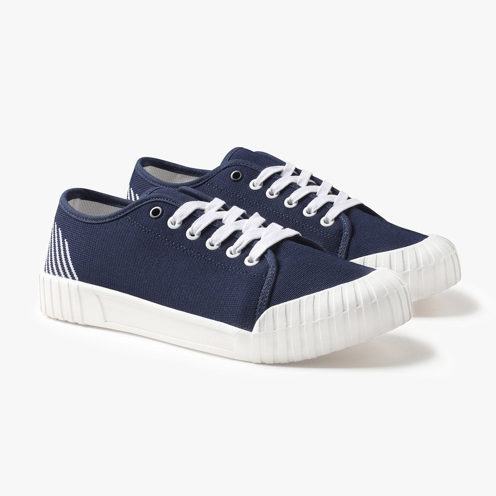 Good News Gamer Low Top Sneakers Sko