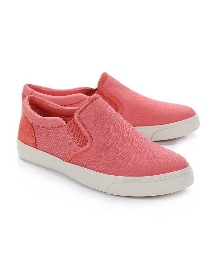 cd3e1ef0 Clarks Glove Puppet Pump Women's Shoes - Coral Nubuck | Country Attire