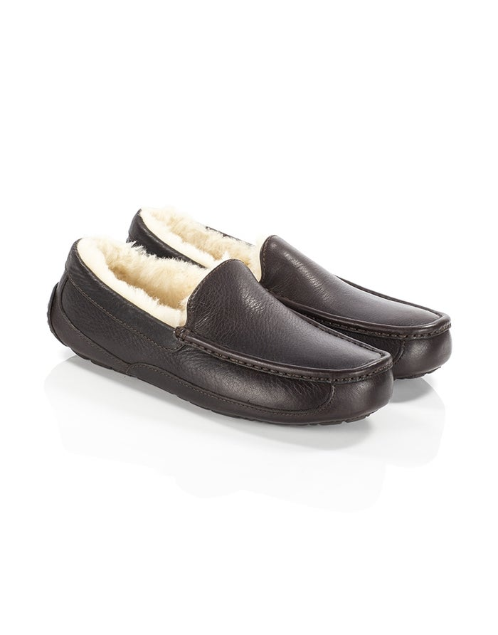 a743a651408 UGG Ascot Leather Men's Slippers - China Tea | Country Attire