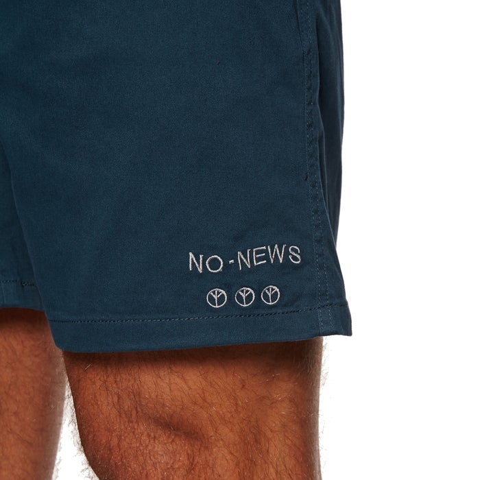 No News Reality Walk Shorts