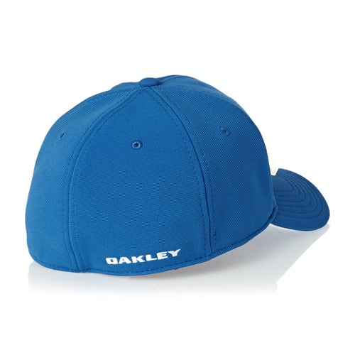 Oakley Tincan Cap available from Surfdome b630f58e5537