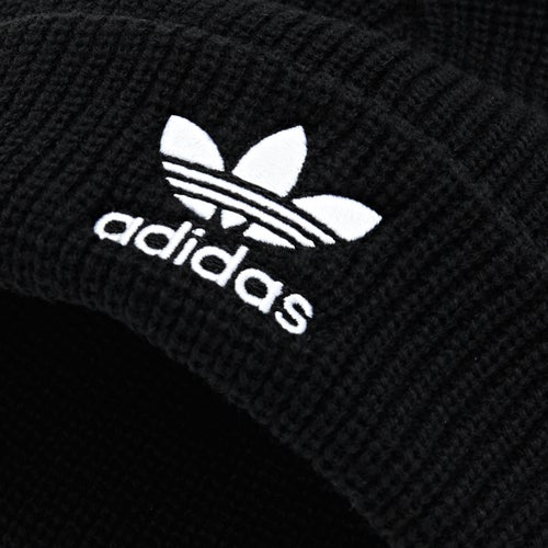Berretto Adidas Originals Pom Pom disponibile su Surfdome cf4c350b2302