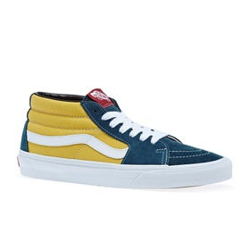 1bc27de9c4e5 Vans Shoes and Clothing - Magicseaweed Store