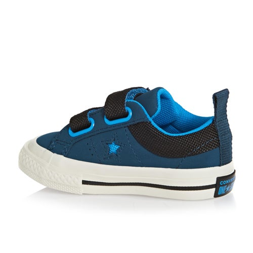 691f35b23153 Converse One Star 2v Ox Baby Shoes available from Surfdome