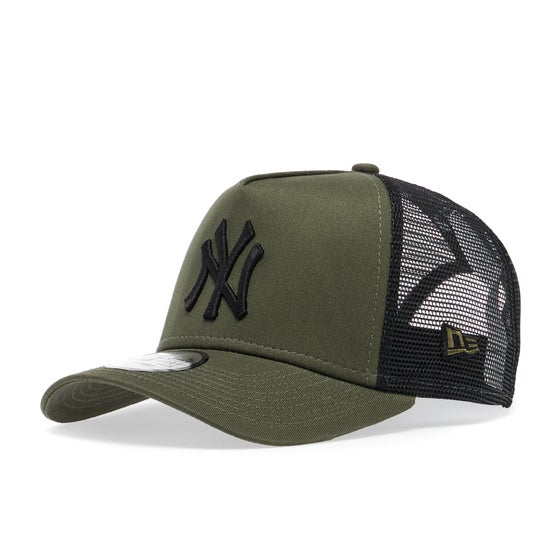 f0bd45652ca New Era. New Era League Essential Trucker Cap - New York Yankees