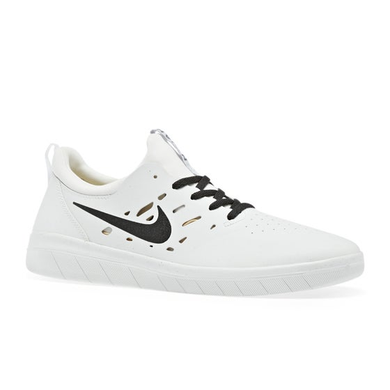 a84c3d45596c Nike Skateboarding Clothing and Shoes - Free Delivery Options Available
