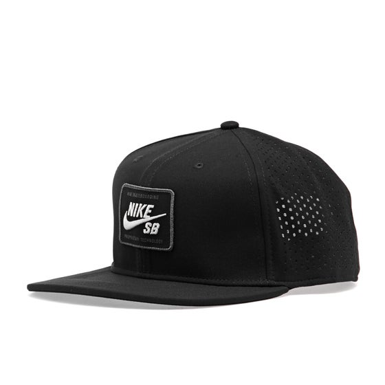 0a5122c0157 Nike Skateboarding Clothing and Shoes - Free Delivery Options Available