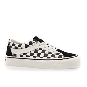 b05b147a37 Vans Shoes and Clothing - Magicseaweed Store