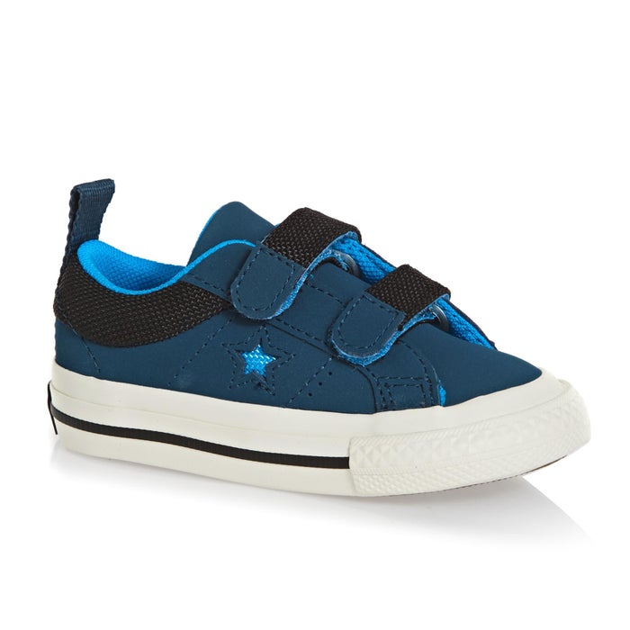 54e8b6c8e288 Converse One Star 2v Ox Baby Shoes available from Surfdome